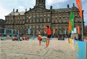 beachvolleybaltoernooi-op-de-dam-2012